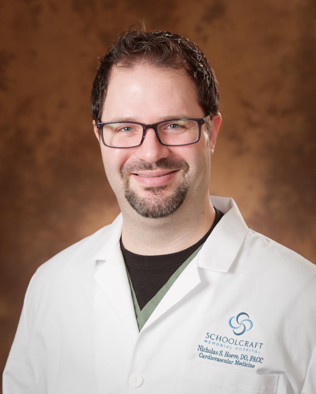 Dr. Hoeve, Cardiologist